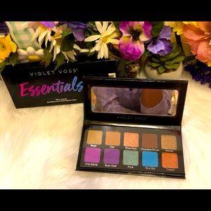 3/$25💄Essentials Violet Voss eyeshadow palet